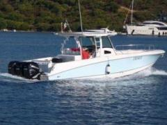 Boston Whaler 370 Outrage Deck-boat