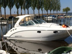 Chaparral 310 Signature Day Cruiser